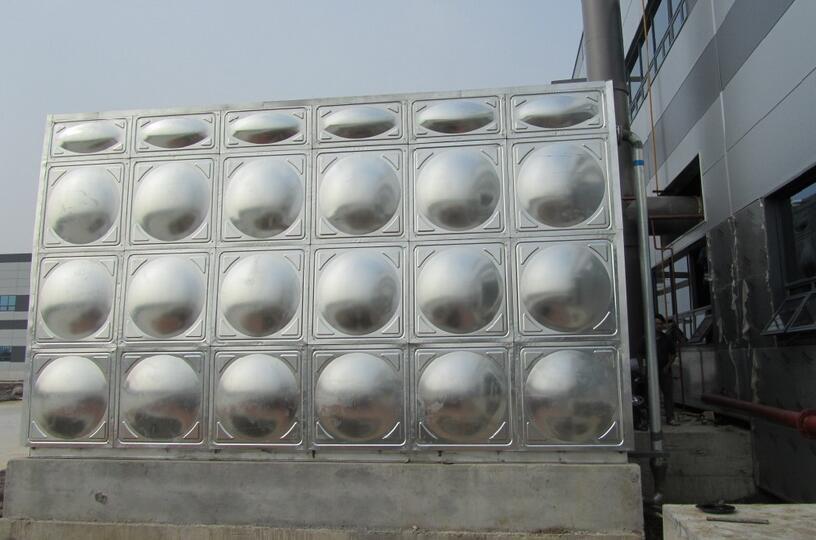 不锈钢水箱.jpg